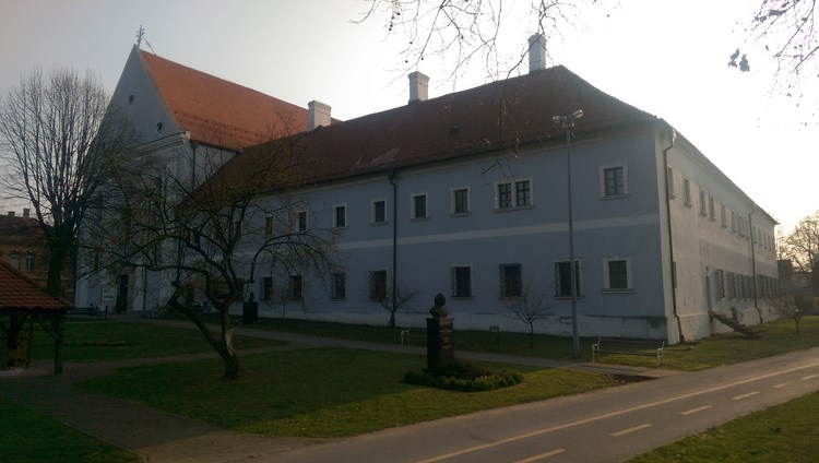 Franjevačka crkva Presvetog Trojstva sa samostanom